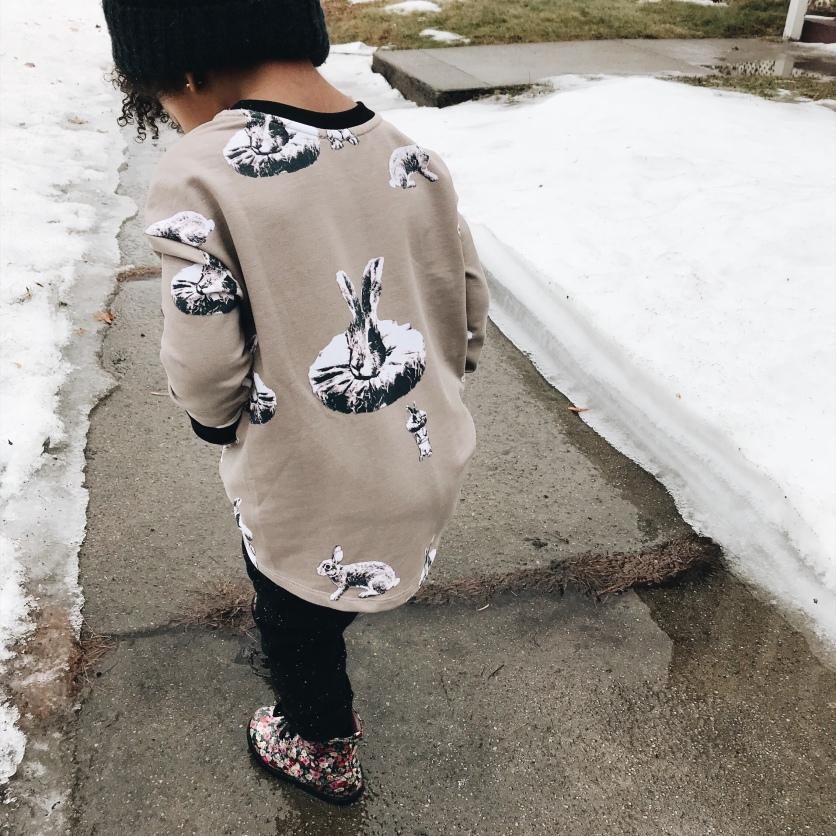 Hi-low design of the Amelia Sweatshirt